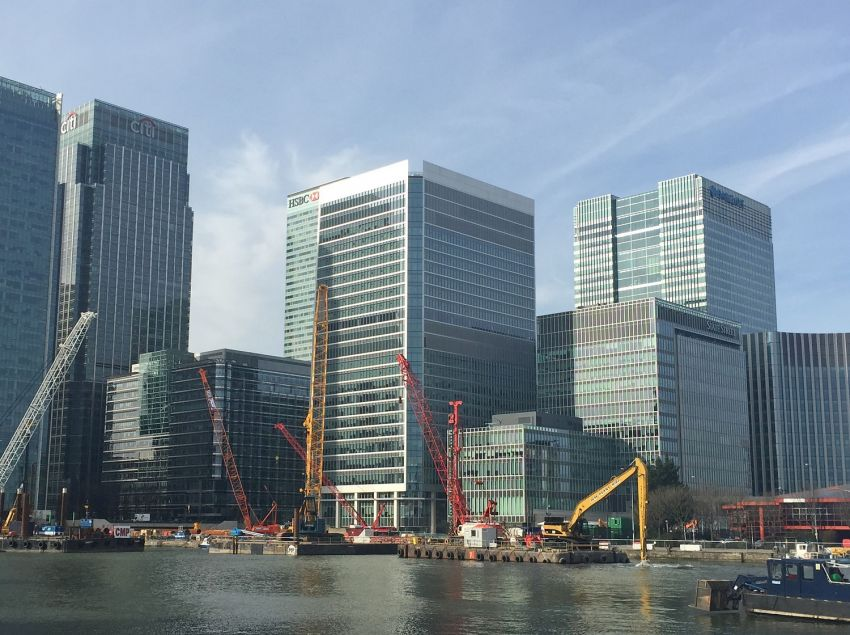 Underwater Excavation: Wood Wharf London